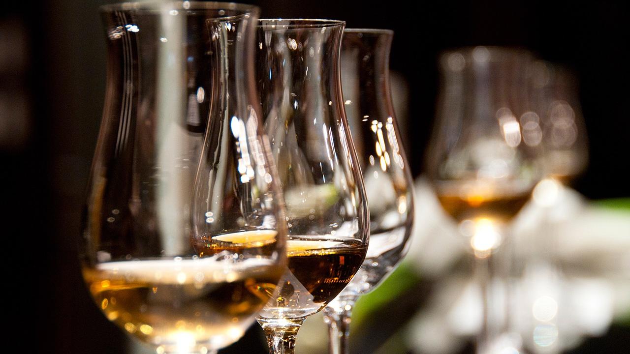 Кабмин РФ утвердил правила ведения системы учета производства и оборота алкоголя
