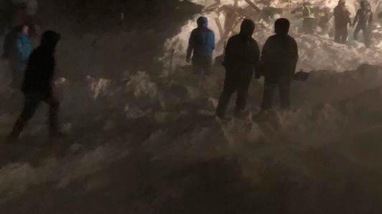Врачи в Норильске борются за жизнь доставленного с места схода лавины подростка