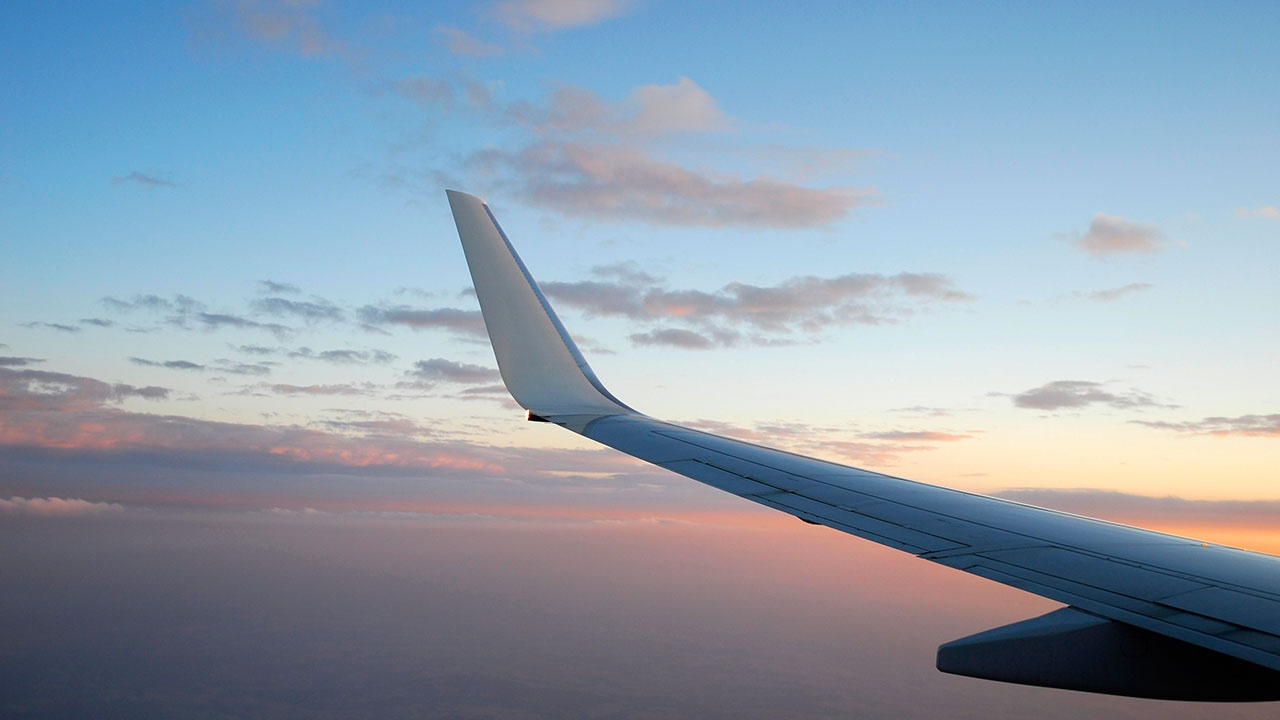 Пассажирский Boeing пропал с радаров у берегов Индонезии