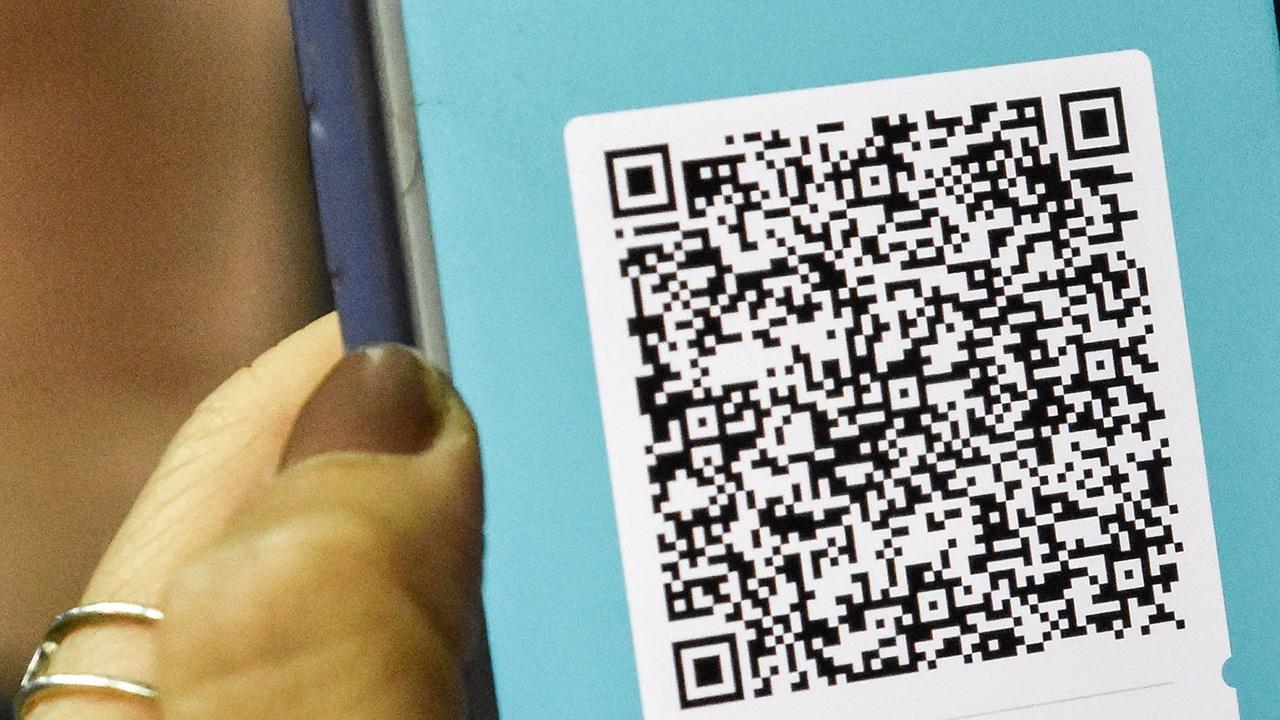 В МФЦ начнут выдавать биометрические загранпаспорта и принимать оплату по QR-коду