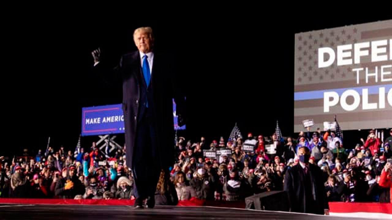 В США начались дебаты по импичменту Трампу