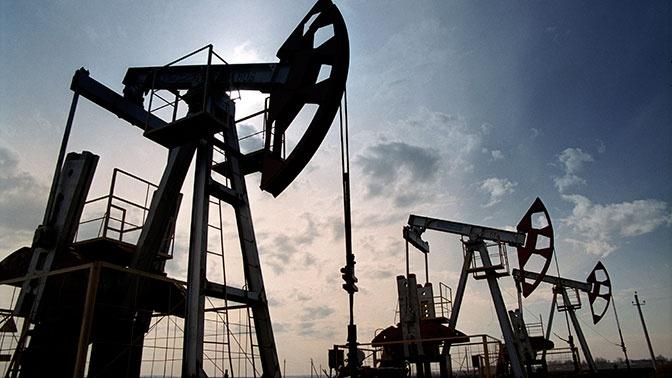 Цена нефти Brent поднялась выше 57 долларов за баррель впервые с февраля 2020 года