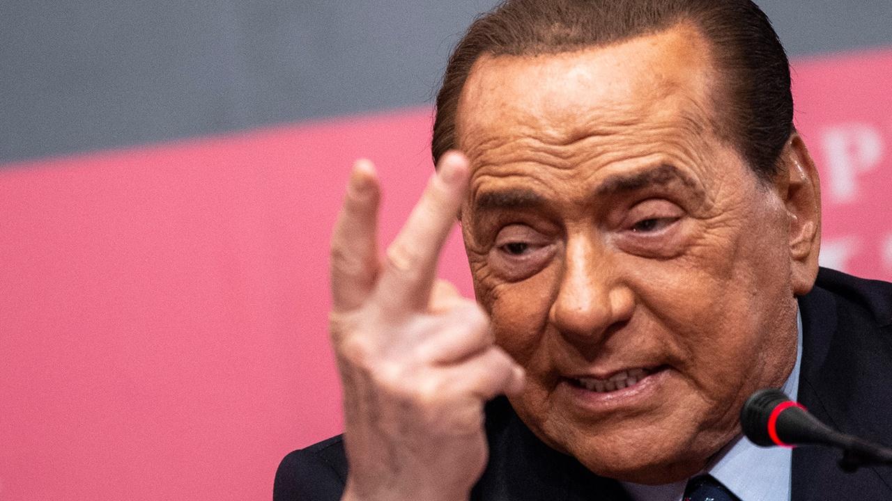 Берлускони прокомментировал сообщения о своей госпитализации