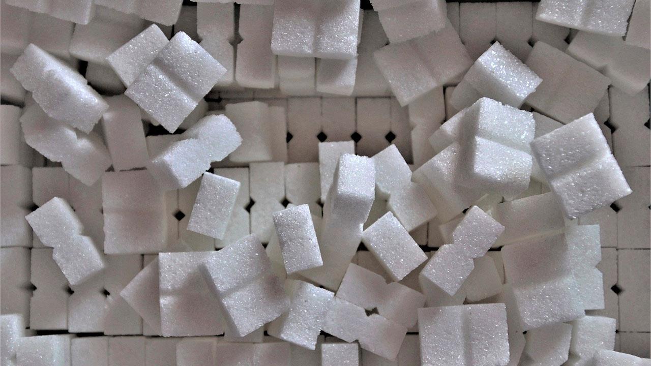 В Минпромторге не получали жалоб от сетей на проблемы с закупкой сахара и масла