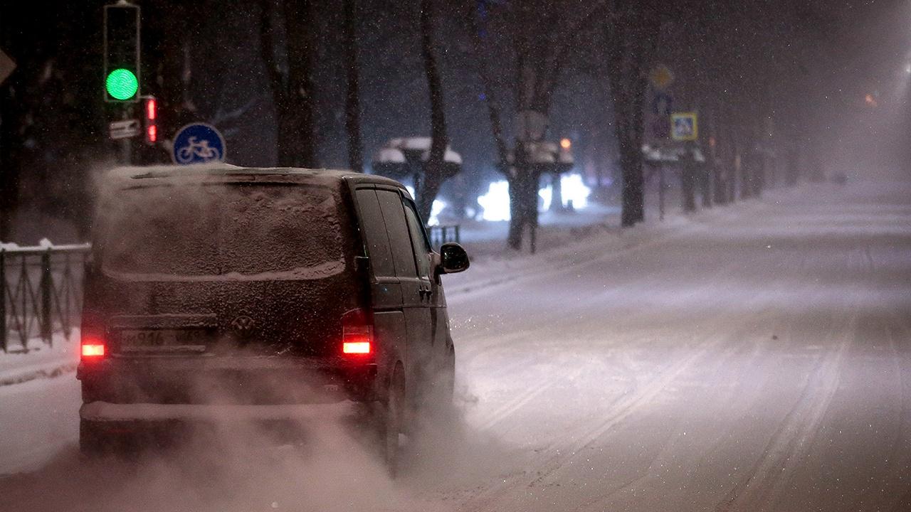 Москвичей предупредили о снегопадах и метелях в субботу