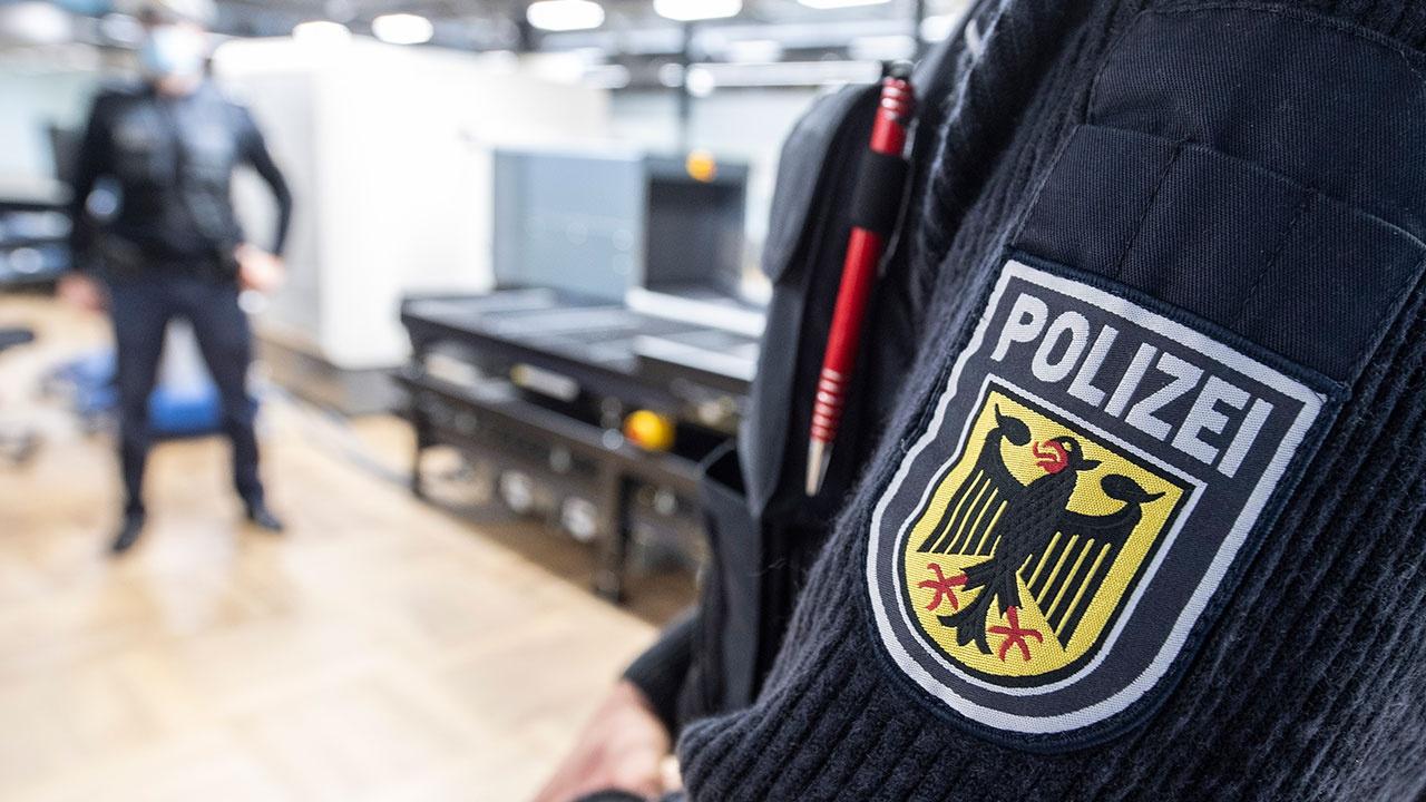 Полицейские задержали двух человек в аэропорту Франкфурта