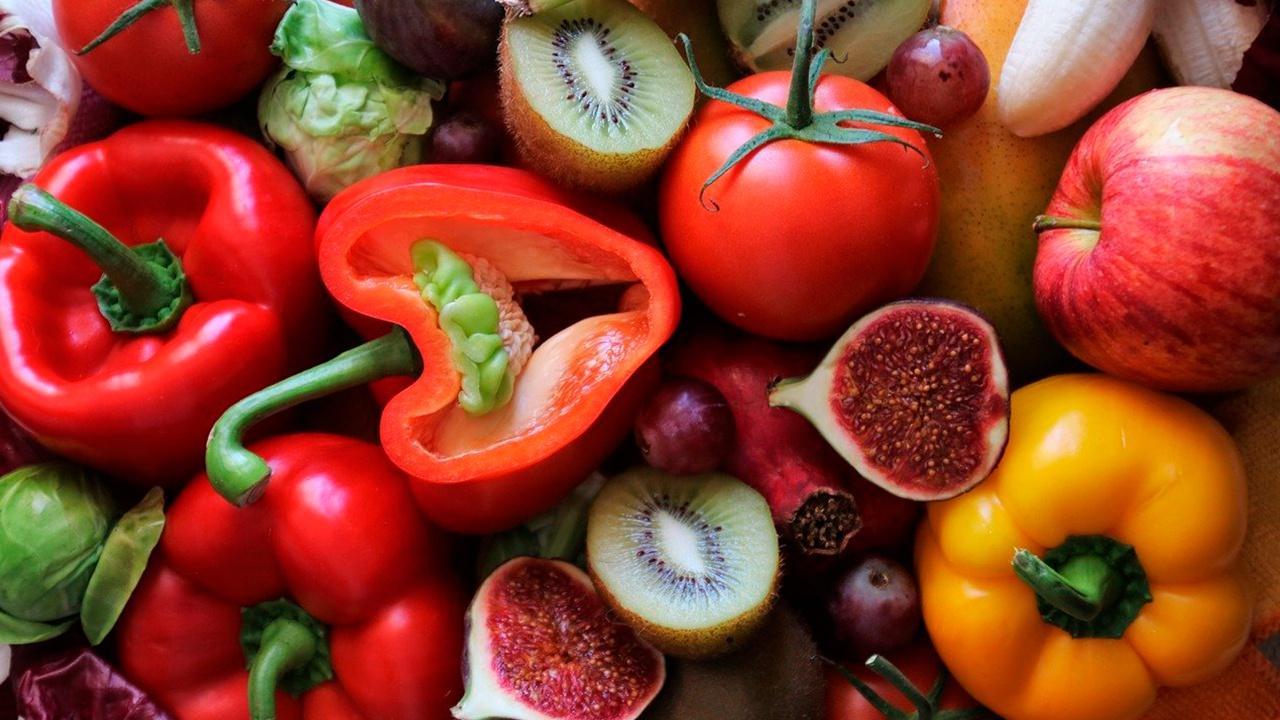 Фермент-убийца: диетолог рассказал, как фрукты и овощи влияют на витамин С