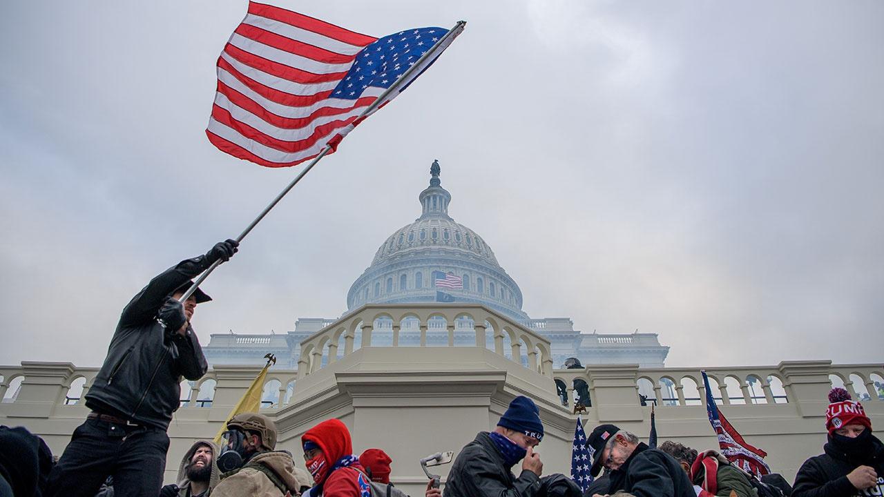 СМИ: ФБР расследует версию об иностранном вмешательстве в штурм Капитолия