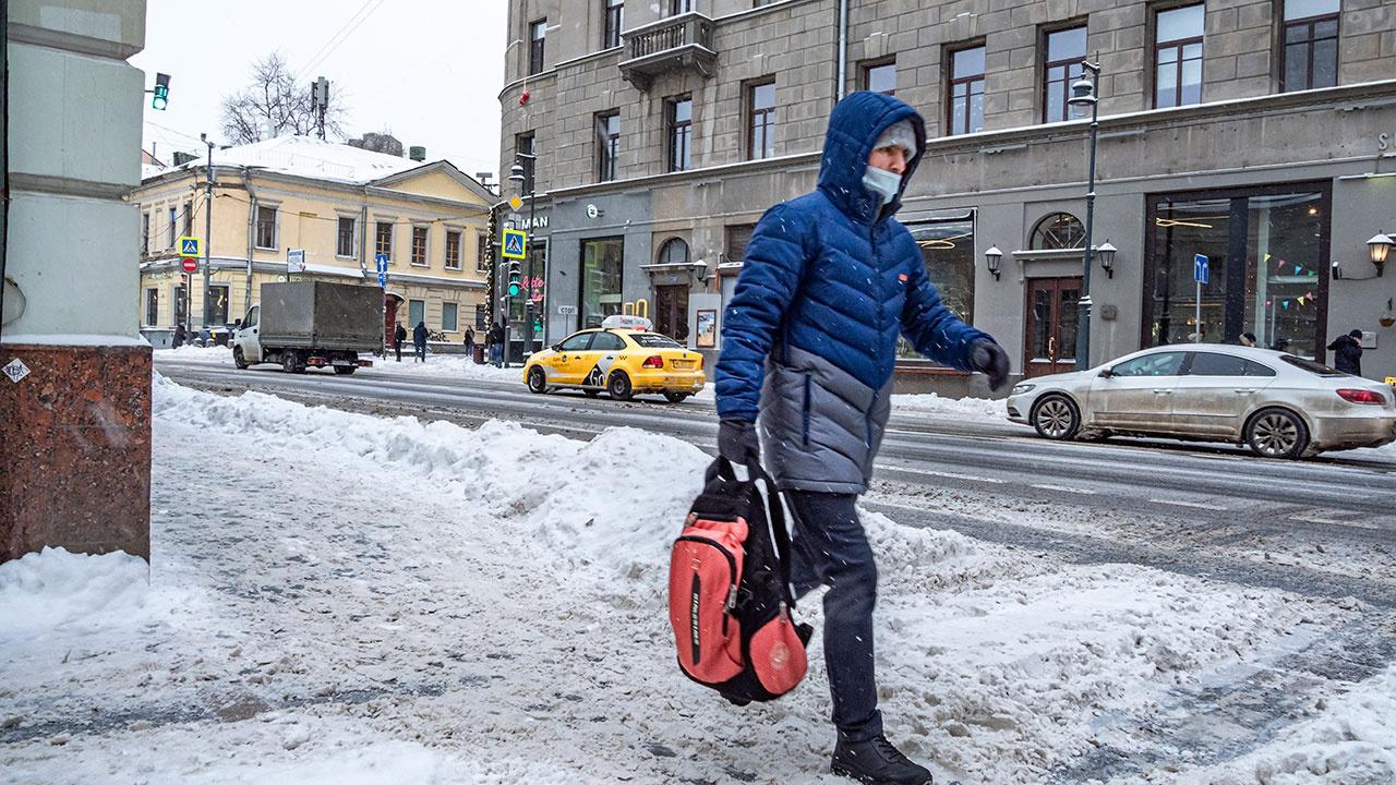 Инфекционист оценил воздействие морозов на коронавирус