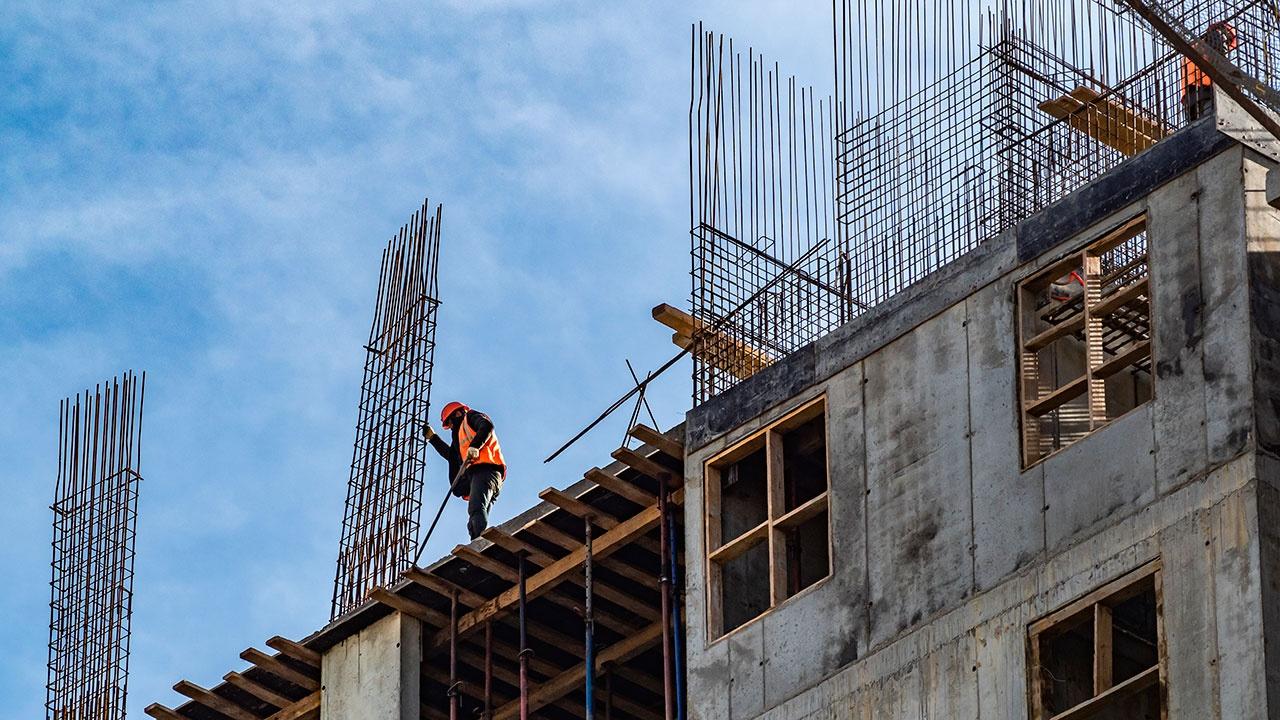 В России могут упростить процедуру привлечения трудовых мигрантов на стройки