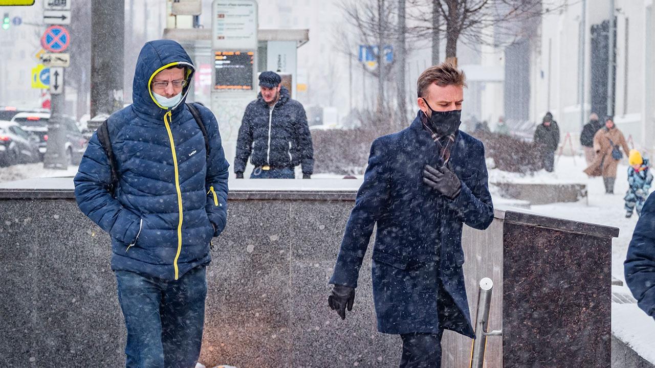 В Роспотребнадзоре спрогнозировали спад заболеваемости COVID-19 в РФ к лету