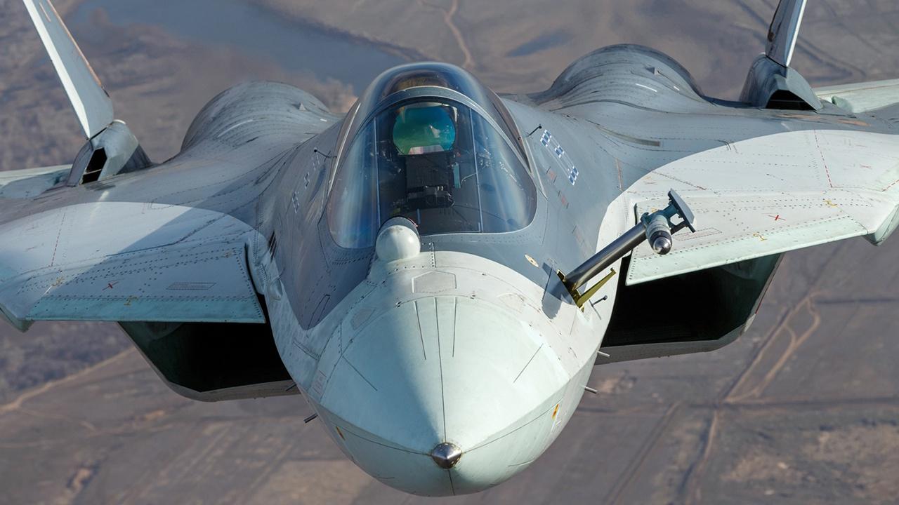 Модернизация производства истребителя пятого поколения Су-57 завершится к 2024 году