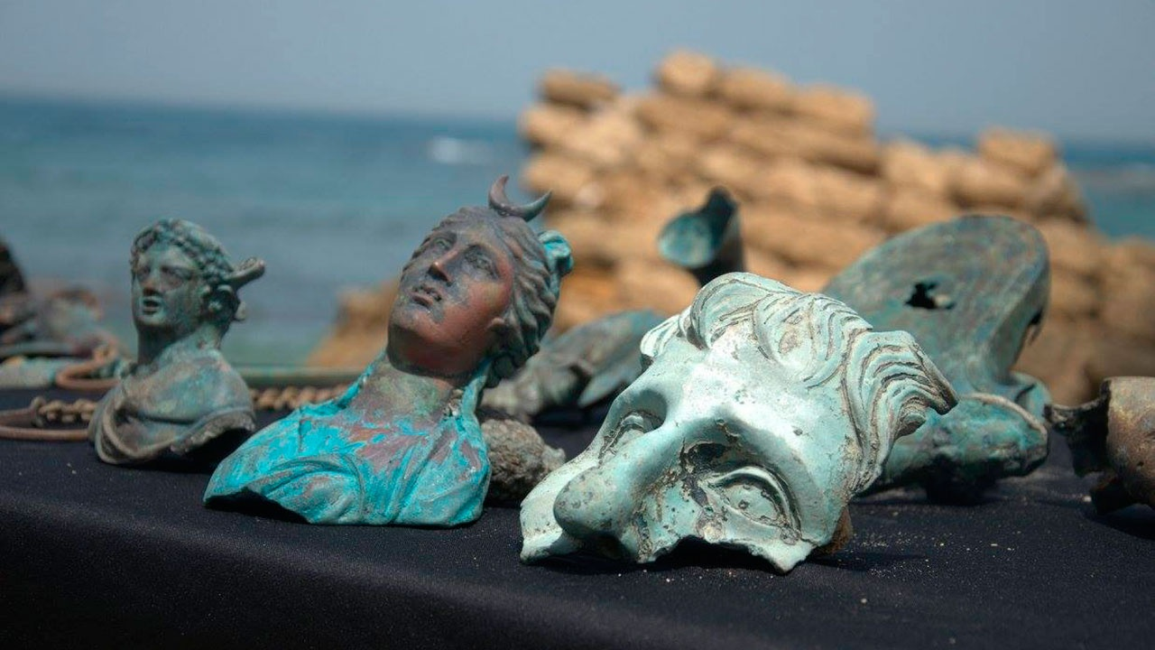 На дне Средиземного моря обнаружили клад с древнеримскими сокровищами
