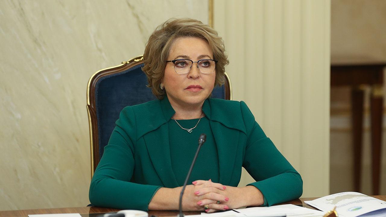 Матвиенко заявила, что в России не будут вводить антиковидные паспорта