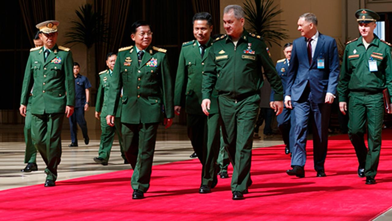 Шойгу прибыл в Мьянму с официальным визитом