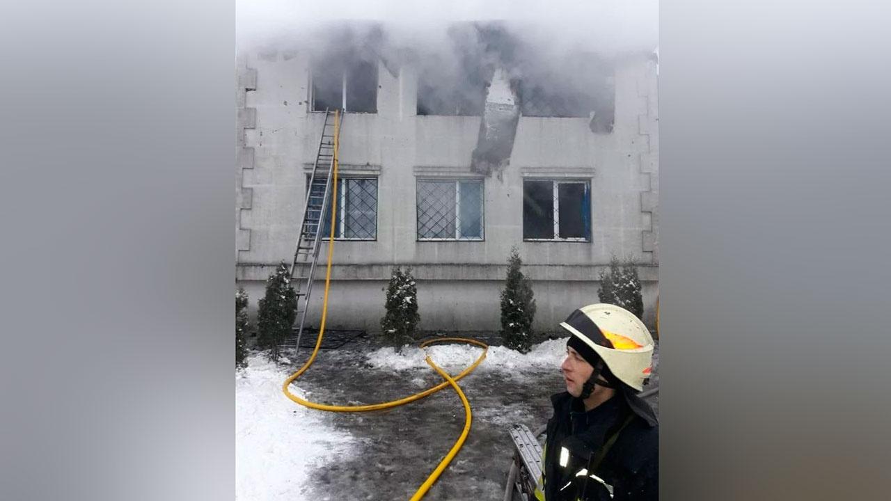 Пятнадцать человек погибли при пожаре в доме престарелых в Харькове