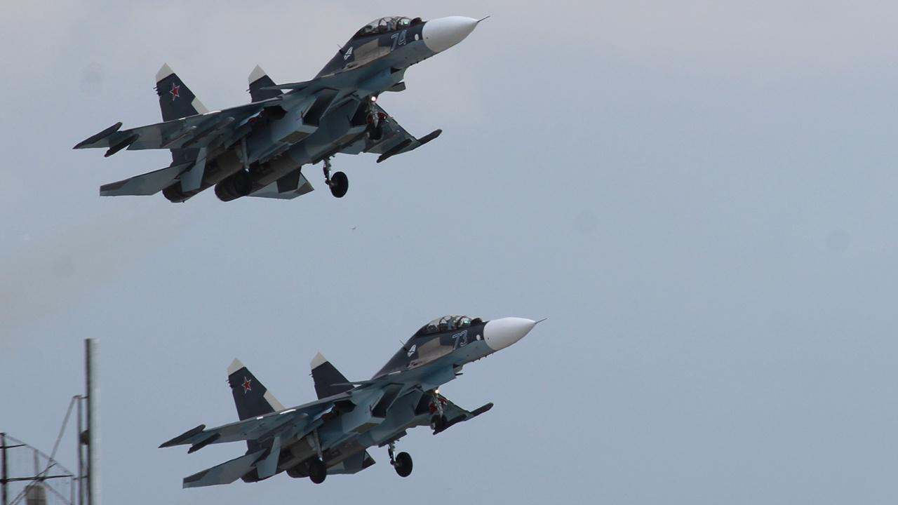 Авиация Балтфлота провела воздушные «бои» над морскими волнами