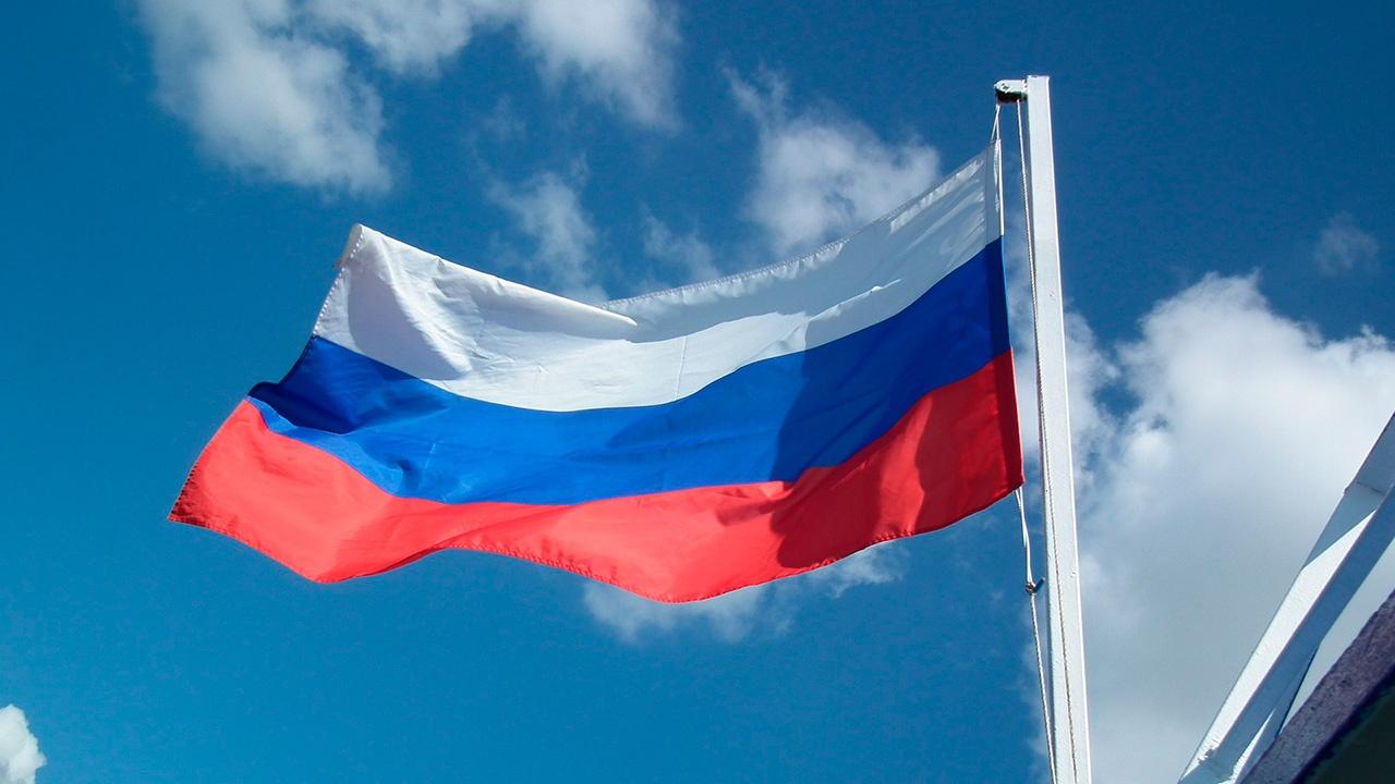 Лидер ХДС назвал Россию противником Запада «во многих отношениях»