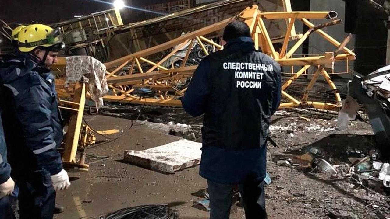 Два человека погибли из-за падения башенного крана в Краснодаре