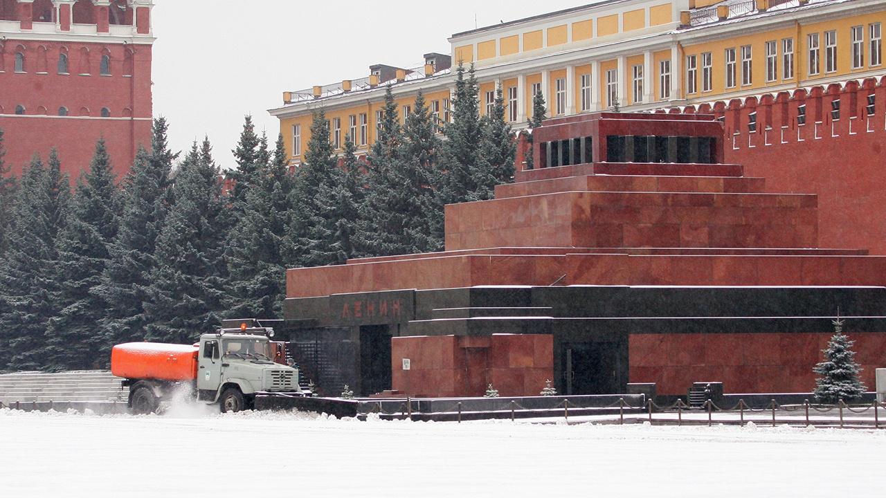 В ЦИК назвали фейком информацию об опросе о выносе тела Ленина из Мавзолея