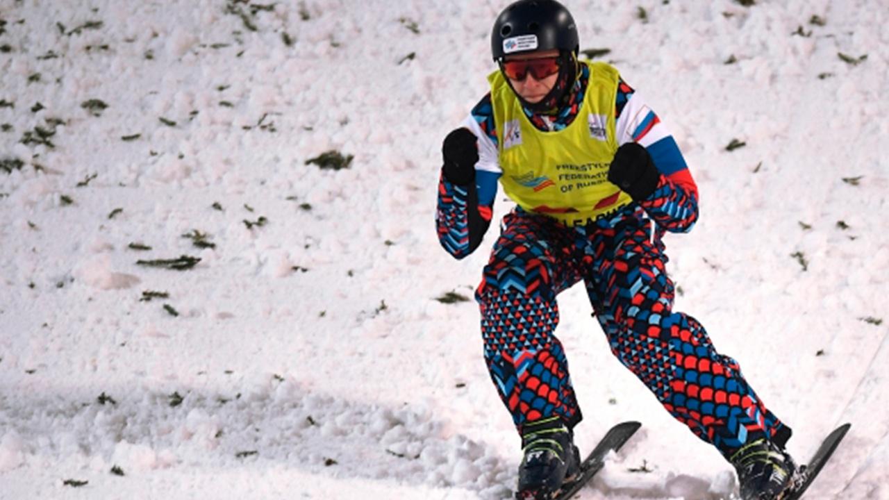 Российский фристайлист Буров досрочно выиграл зачет Кубка мира в лыжной акробатике