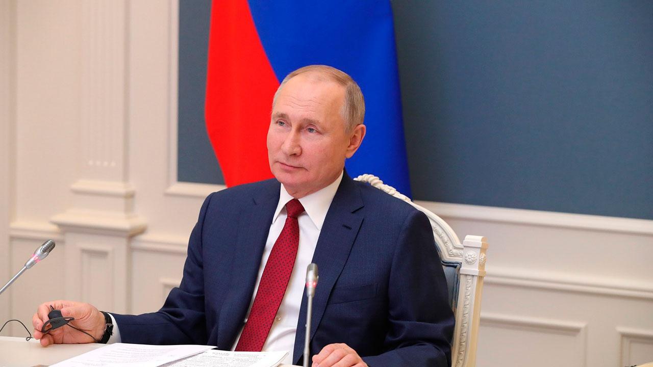 «Попытка докричаться»: Песков рассказал о целях выступления Путина в Давосе