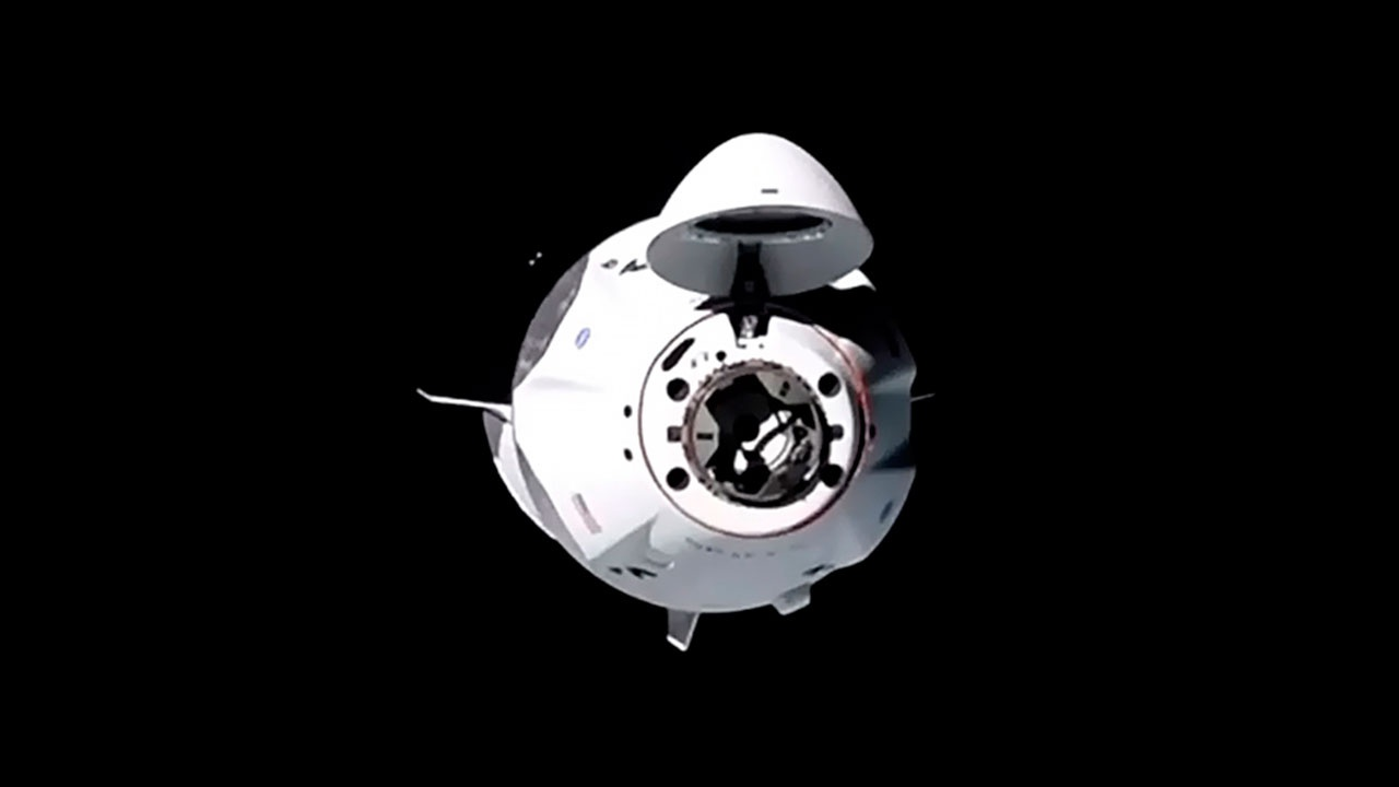 SpaceX запустит на орбиту корабль с полностью гражданским экипажем