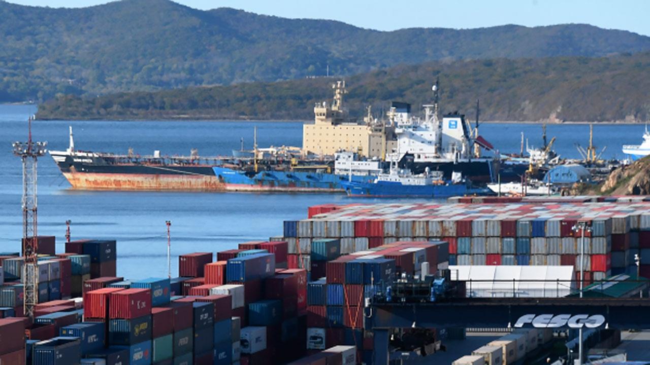 В РФ запретят перегрузку опасных грузов вне морских портов