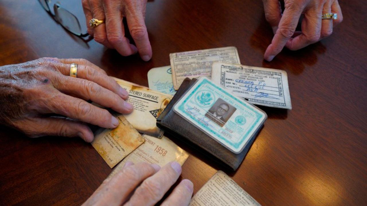 К жителю США через 53 года вернулся потерянный в Антарктиде бумажник