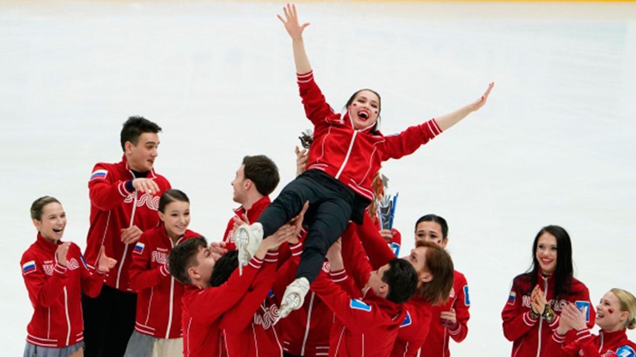 Команда Загитовой выиграла Кубок Первого канала по фигурному катанию