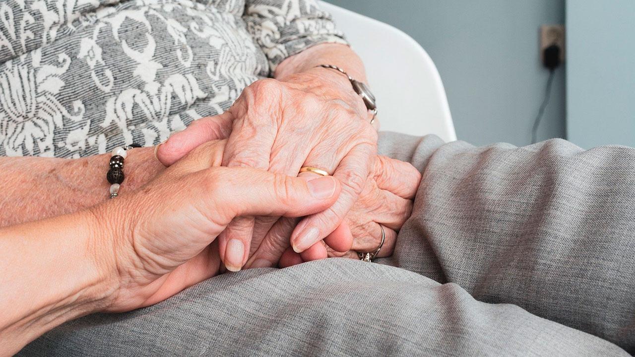 В Кремле готовы рассмотреть варианты индексации выплат работающим пенсионерам