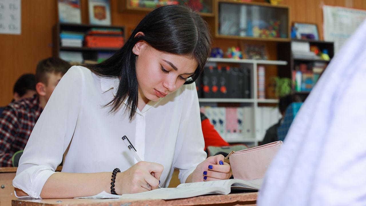 Рособрнадзор предоставит школьникам дополнительную неделю для сдачи ЕГЭ