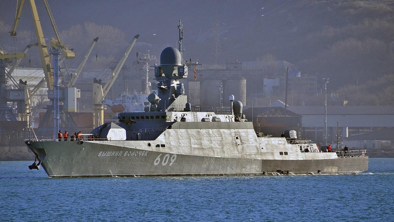 Оборудованный «Калибрами» корабль «Вышний Волочек» провел стрельбы в Средиземном море