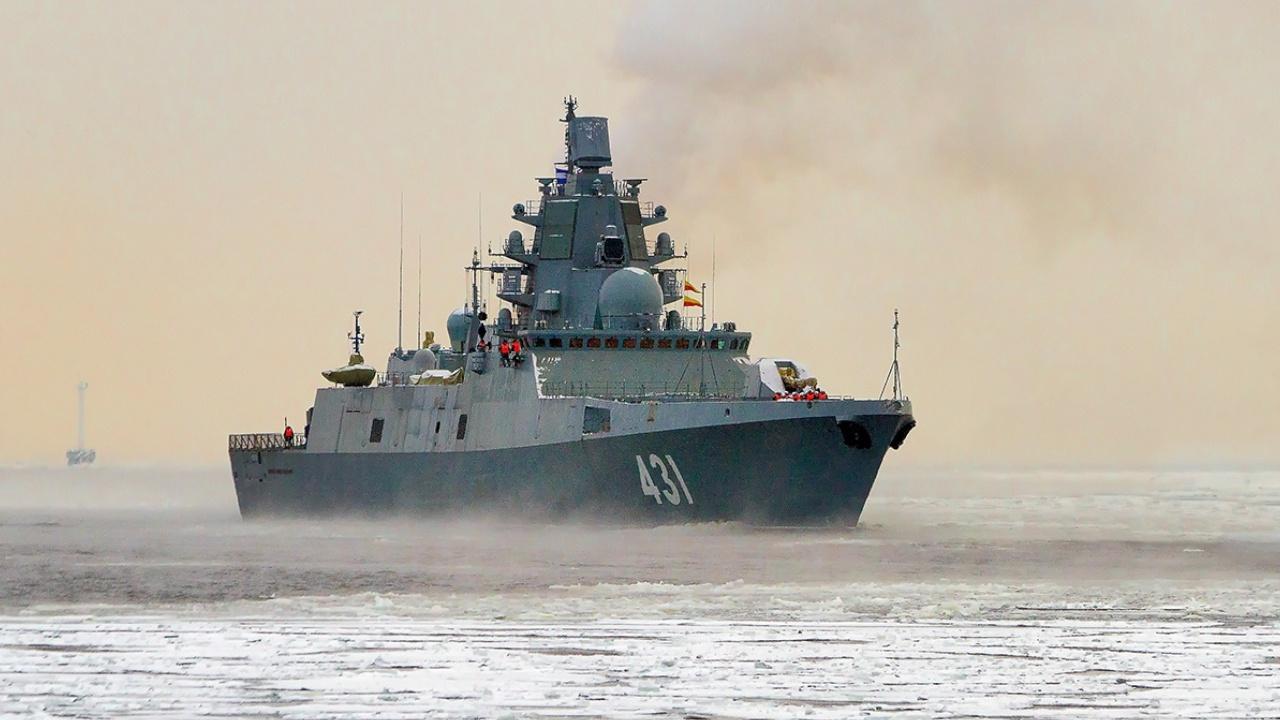 Посетить древний город: фрегат «Адмирал Касатонов» зашел в Александрию
