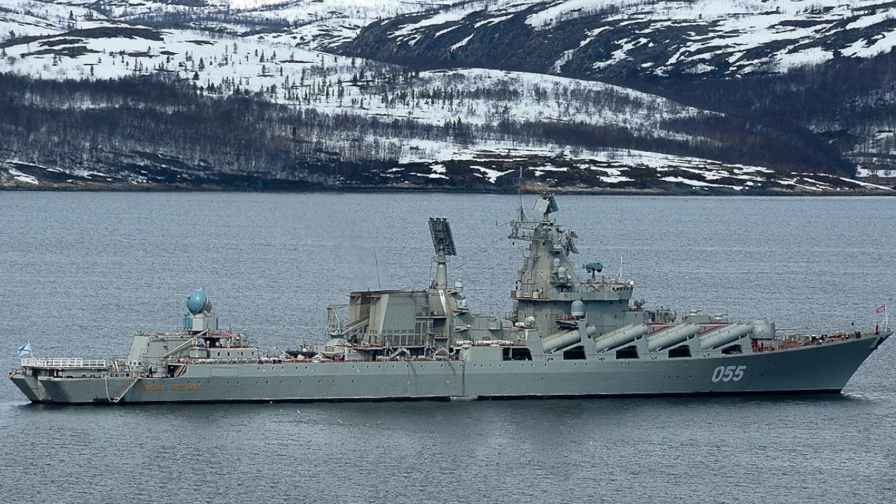 Найти и затравить: крейсер «Маршал Устинов» и Ил-38 уничтожили «подлодку противника» в Баренцевом море