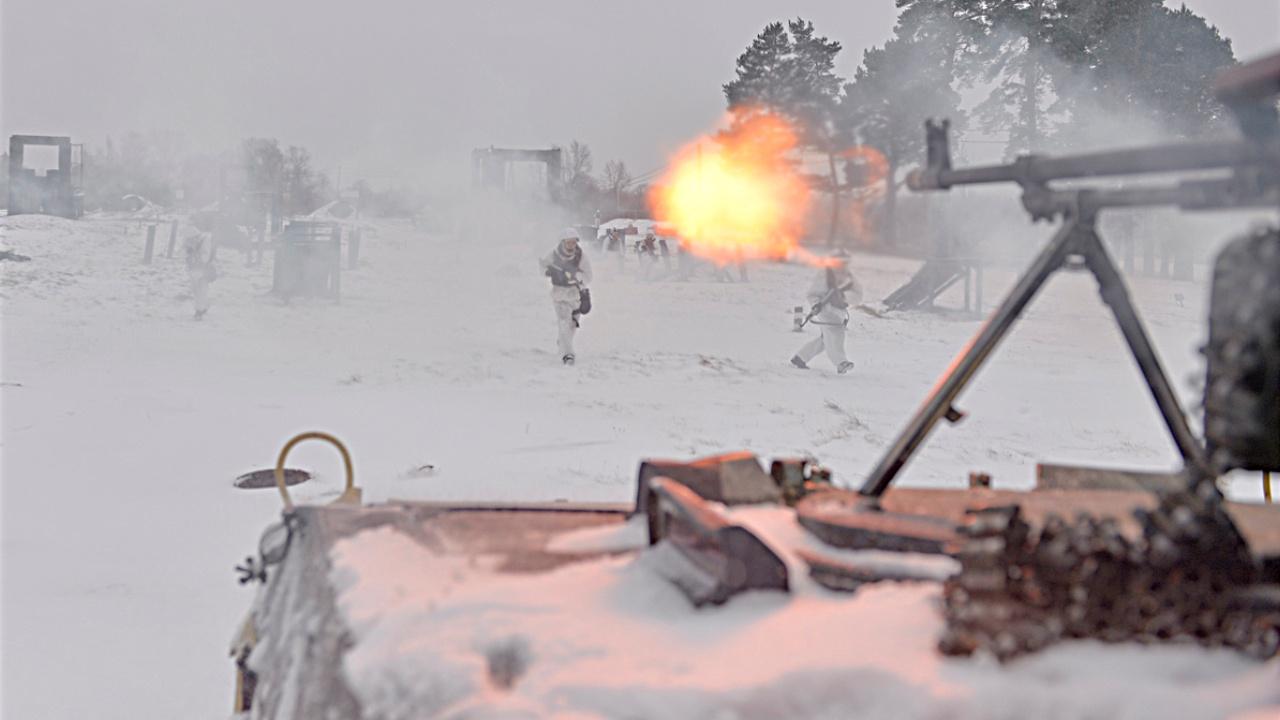 Меткими очередями и уханьем орудий: Т-72Б3 и БМП-2 уничтожили наступающего «противника» в Подмосковье