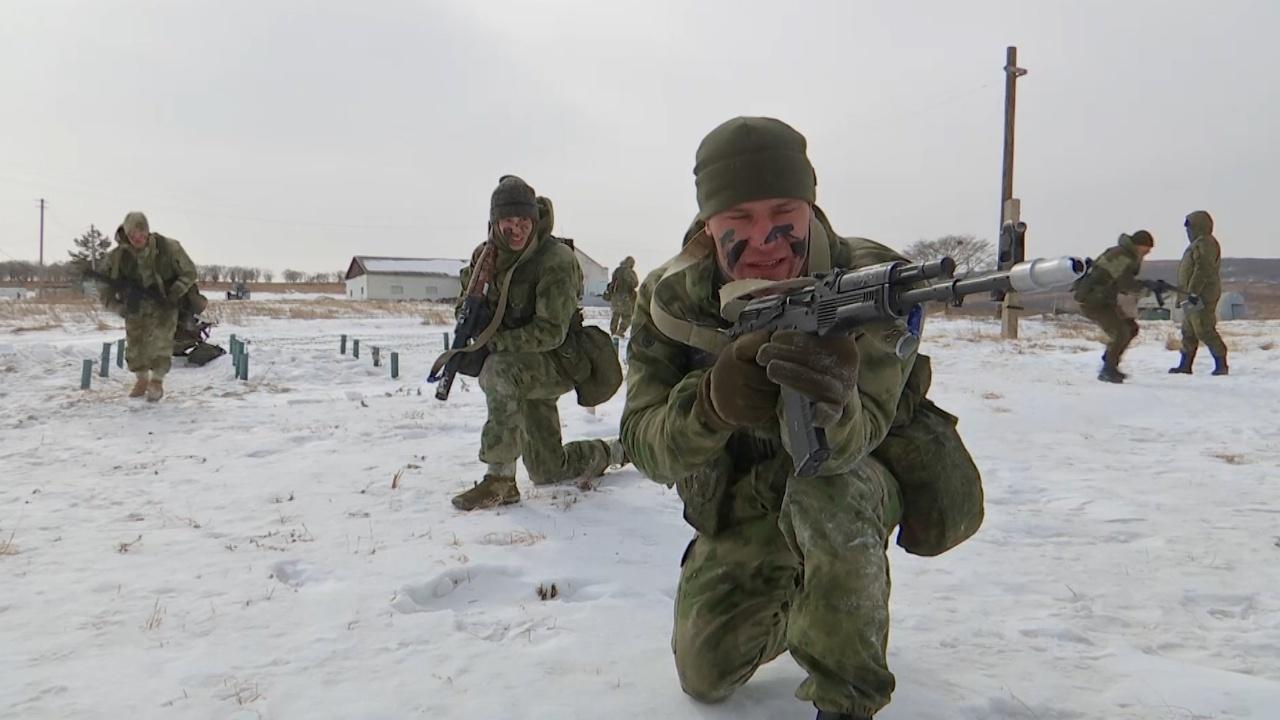 Разведчики уничтожили бронетехнику и сняли часовых: впечатляющие кадры подготовки к АрМИ в Приморье