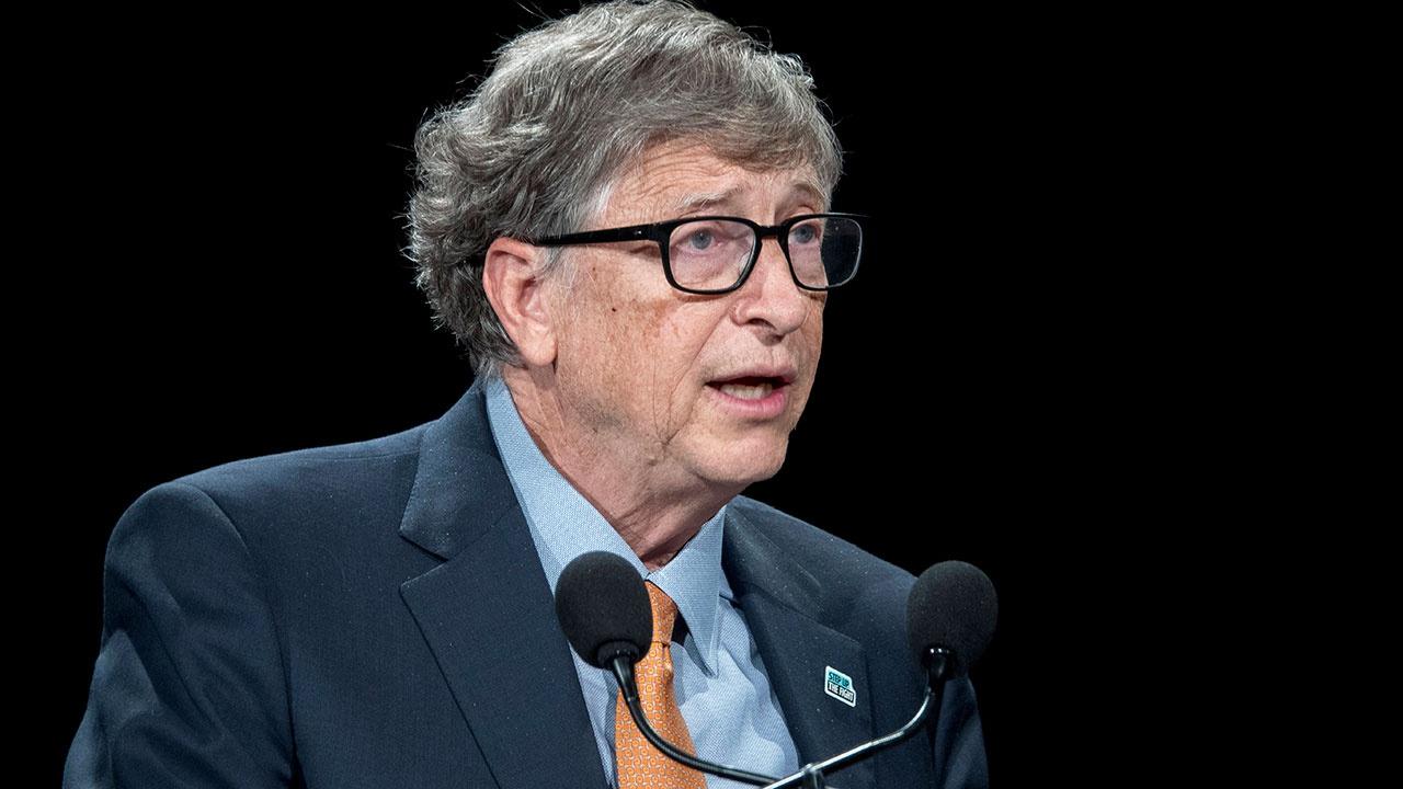 Гейтс допустил необходимость введения третьей дозы вакцины от COVID-19
