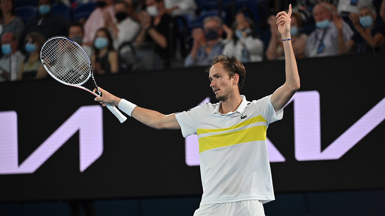 «Было немного страшно»: теннисист Медведев рассказал о матче за выход в финал Australian Open