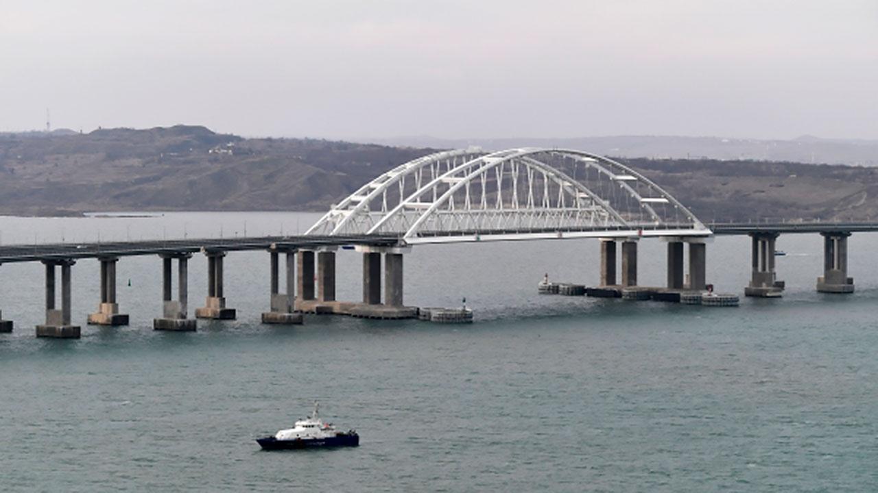 На подавшем сигнал бедствия в Керченском проливе судне находятся опасные химикаты