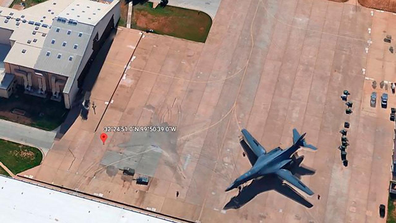 Пользователь Google Earth заметил на спутниковых снимках «невидимый» американский самолет