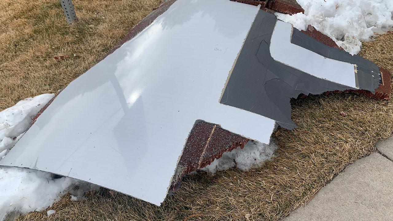 В США проверят самолеты Boeing 777 после падения деталей самолета на жилой квартал