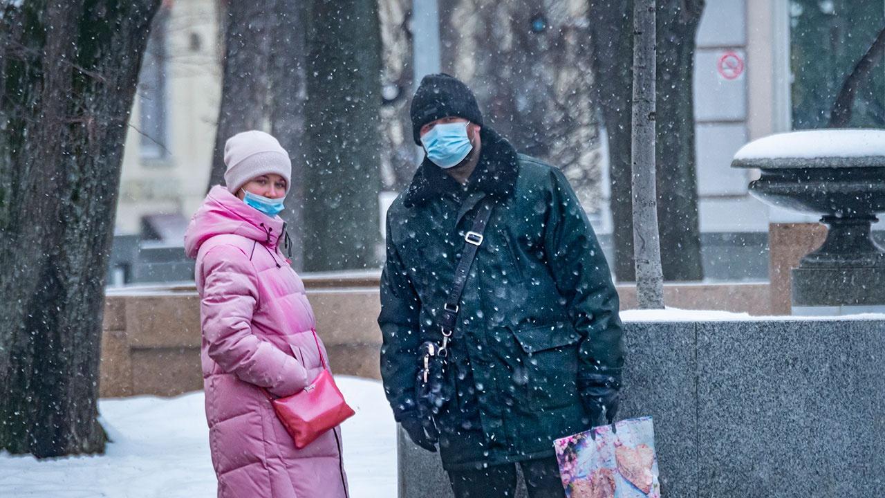 В России за сутки выявили 11 823 новых случая COVID-19