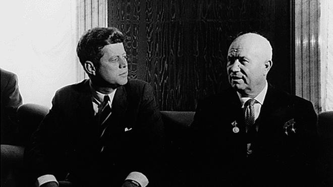 «Он уважал Кеннеди»: внучка Хрущева оценила версию экс-главы ЦРУ о причастности деда к смерти президента США
