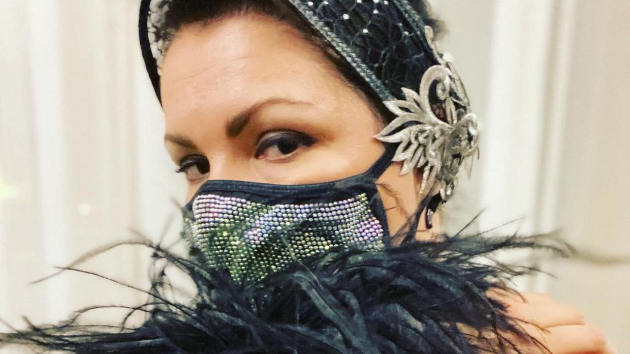 Анна Нетребко отказалась выступать в маске