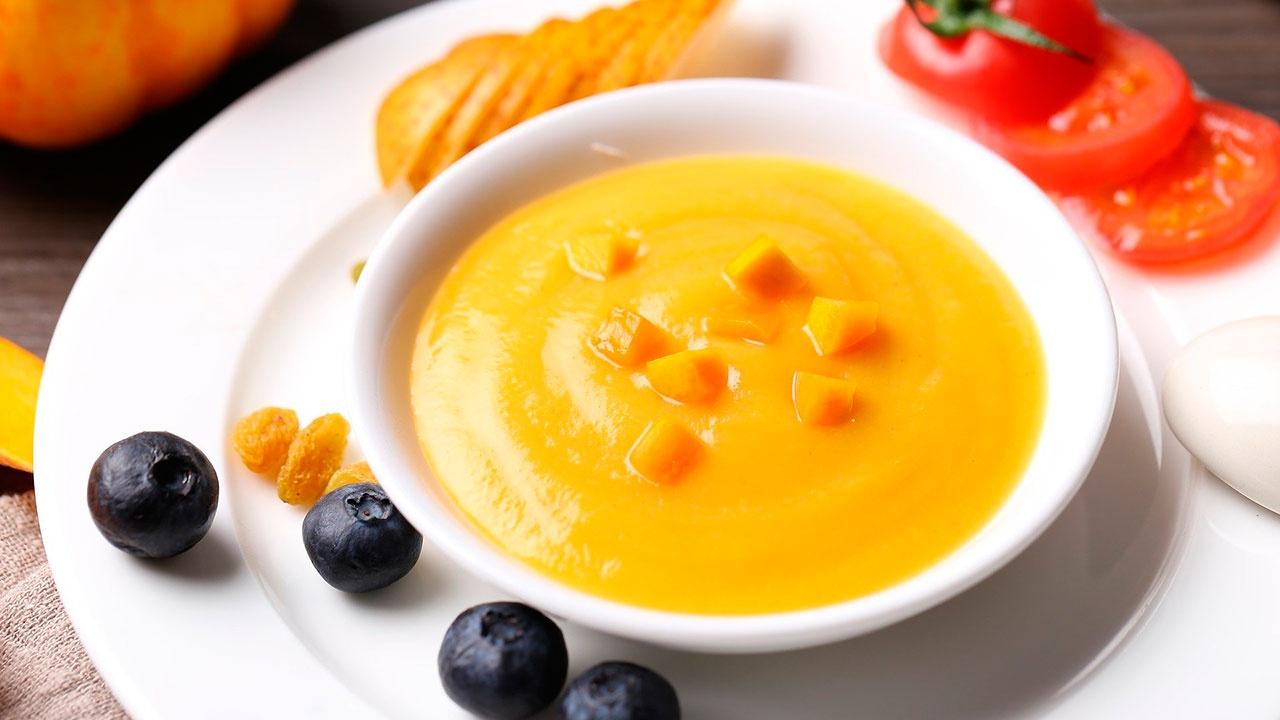 Диетолог объяснила, кому нельзя есть супы-пюре