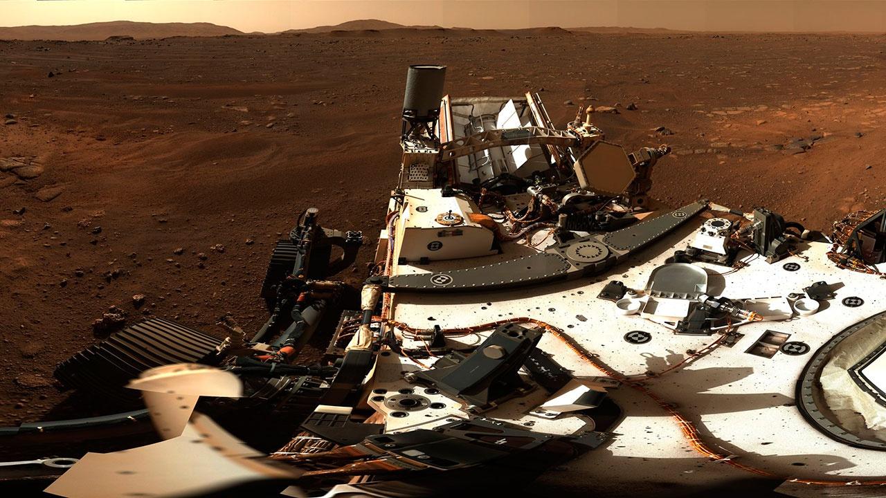 Уфолог связал затемненные снимки с Марса с кораблем инопланетян