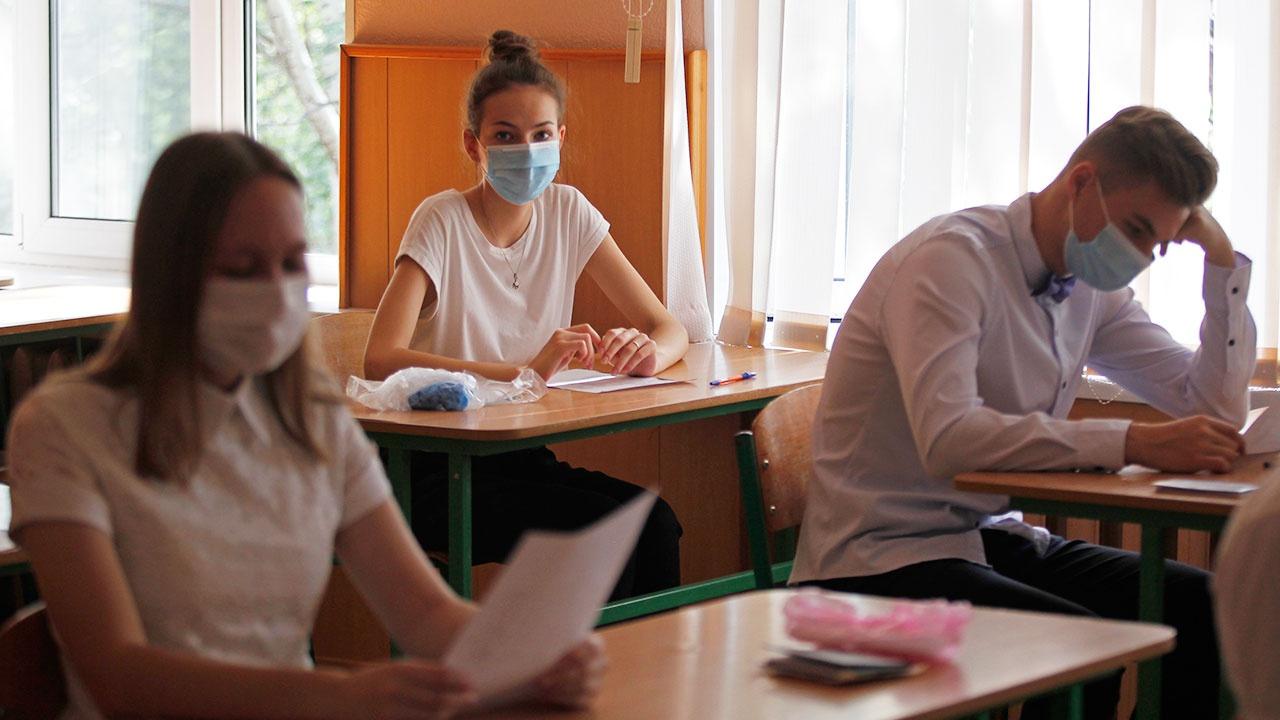 Правительство РФ упростило правила сдачи ГИА для выпускников 2021 года