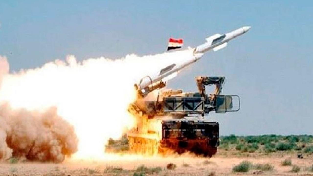СМИ: сирийские ПВО отражают ракетную атаку над Дамаском