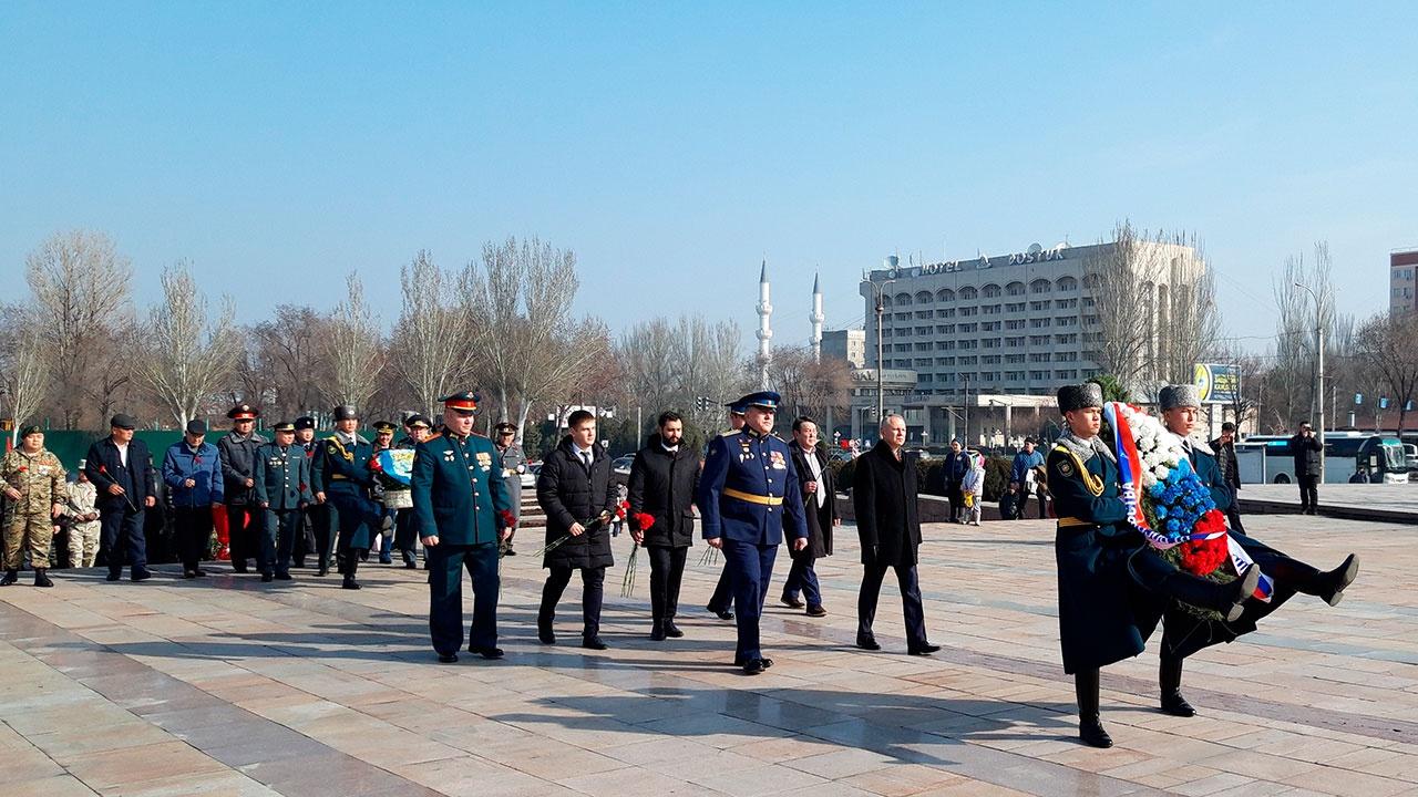 В столице Киргизии отметили День защитника Отечества